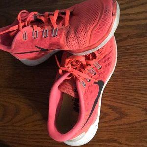 Nike Free 5.0 Coral & Black Sneakera